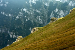 Mountain valley in the mist Royalty Free Stock Images