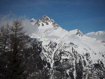 Mountain View alpino nella neve di inverno di Europa Fotografie Stock