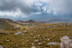 Mountain View attraverso le nuvole Fotografia Stock