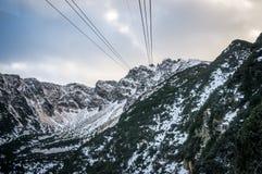 Mountain View au soleil avec des nuages Images libres de droits