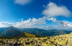 Mountain View carpathien d'été photographie stock