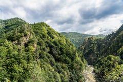 Mountain View carpathien sur la route de Transfagarasan en Roumanie image stock