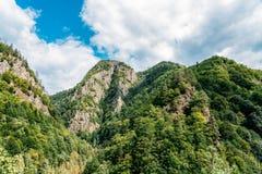 Mountain View carpathien sur la route de Transfagarasan en Roumanie photographie stock