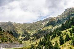 Mountain View carpathien sur la route de Transfagarasan en Roumanie image libre de droits