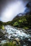 Mountain View, corrientes y lagos de Nueva Zelanda d Y foto de archivo libre de regalías