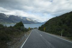 Mountain View, corrientes y lagos de Nueva Zelanda d Y imagen de archivo