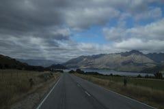 Mountain View, corrientes y lagos de Nueva Zelanda d Y fotos de archivo libres de regalías