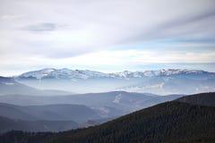 Mountain View d'hiver de Svidovets Photographie stock libre de droits