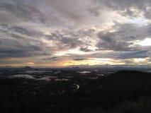 Mountain View da natureza e após a chuva pesada em Sri Lanka foto de stock royalty free