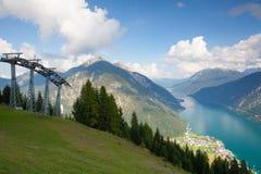 Mountain View dalla valle superiora di Alpbach, Austria Fotografie Stock Libere da Diritti