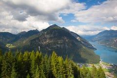Mountain View dalla valle superiora di Alpbach, Austria Fotografie Stock