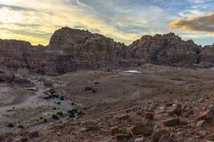 Mountain View dans PETRA au coucher du soleil Images stock
