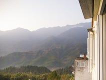 Mountain View de brume de fenêtre Photo libre de droits
