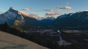 Mountain View de Norquay de la ciudad de Banff almacen de video