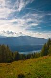Mountain View del lago Millstaettersee de arriba Foto de archivo