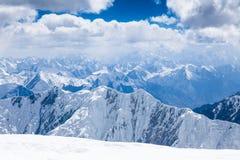 Mountain View desde arriba del pico de Lenin en la región de Pamir Fotografía de archivo libre de regalías