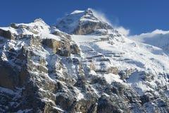Mountain View di inverno in Bernese Oberland, Svizzera Fotografia Stock