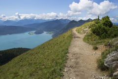 Mountain View di panorama da Jochberg al lago Walchensee Immagini Stock Libere da Diritti
