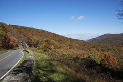 Mountain view from the drive showing fall foliage Royalty Free Stock Images