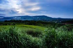 Mountain View e cielo Immagini Stock