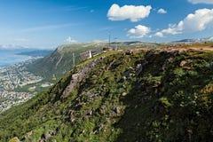 Mountain View e teleférico em Tromso, Noruega Imagens de Stock Royalty Free