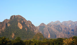 Mountain View i Vang Vieng Royaltyfria Bilder
