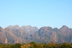 Mountain View i Vang Vieng Arkivbilder