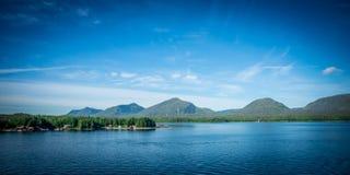 Mountain View internos da passagem em torno de Alaska ketchikan fotos de stock royalty free