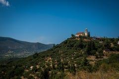 Mountain View med den gamla kyrkan Arkivbilder