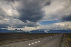 Mountain View od trasy 1 przy południowym Iceland zdjęcie royalty free