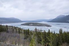 Mountain View på gränsen av Yukon och Alaska Arkivbilder