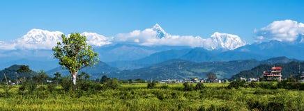 Mountain View panoramico alla catena montuosa di Annapurna, Nepal Fotografia Stock