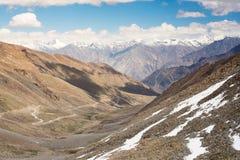 Mountain View sulla strada alla valle di Nubra, India Immagini Stock Libere da Diritti