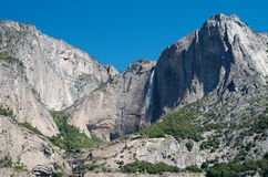 Mountain waterfall in Yosemite Royalty Free Stock Photos