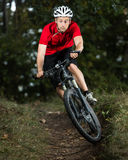 Mountainbiker Arkivfoto