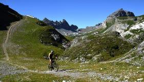 Mountainbiking w Alp Nagens, Graubunden, Szwajcaria obraz royalty free