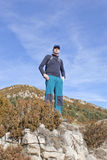 Mountaineer looking the landscape Royalty Free Stock Photography