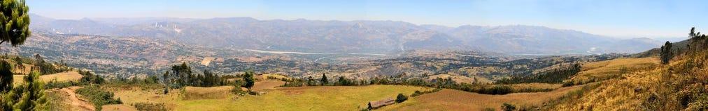 mountaing的全景范围视图 免版税图库摄影