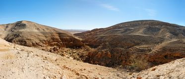 Mountainous desert landscape near the Dead Sea Royalty Free Stock Images