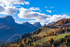 Mountainous landscape with the villages of Colle Santa Lucia and Royalty Free Stock Photos