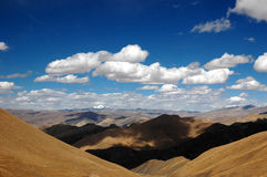 The mountainous Tibet Plateau Royalty Free Stock Photo