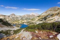 Mountains湖谷 免版税库存照片