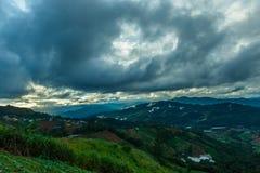 Mountains& x22 ландшафта; dao& x22 ing понедельника; Область Чиангмая гребень в районе деревни Hmong Стоковое Изображение