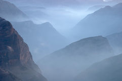 Mountains in the fog Royalty Free Stock Photography