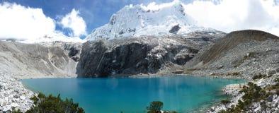 Mountains, Lago 69. Cordilierra Blanca, Perú, Huascarán, Yungay, Lagos. Lago 69, treking, Hight mountains, Mountaineering, Highking Royalty Free Stock Photos