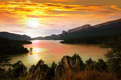 Mountains lake in sunset Stock Photography