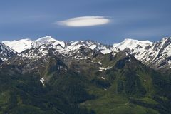 Mountains and Lenticularis Stock Photography