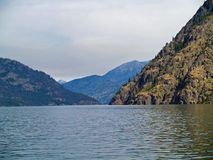 Free Mountains Overlooking Lake Chelan Royalty Free Stock Photos - 31358938