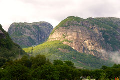 Mountains in the rays of the setting sun Royalty Free Stock Images