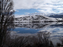Mountains reflected in Lake in New Zealand Royalty Free Stock Photos